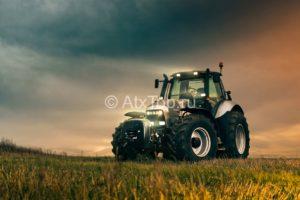 Продажа тракторов и сельхозтехники в Беларуси и России
