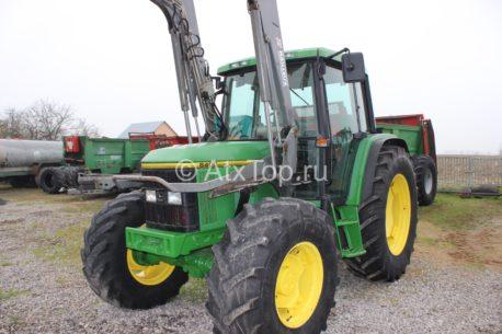Трактор John Deere 6400