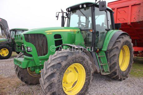 Трактор John Deere 6630