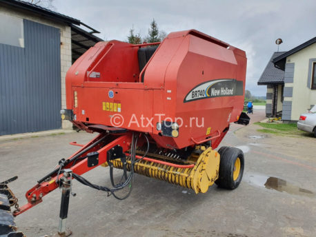 new-holland-br740-2