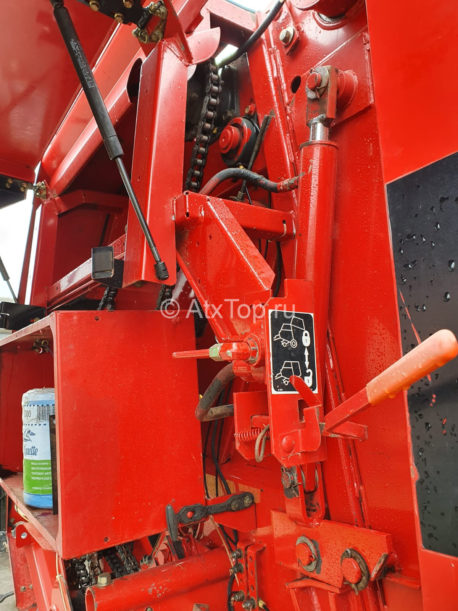 new-holland-br740-25