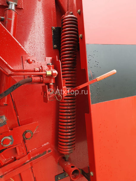 new-holland-br740-28