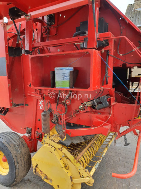 new-holland-br740-29