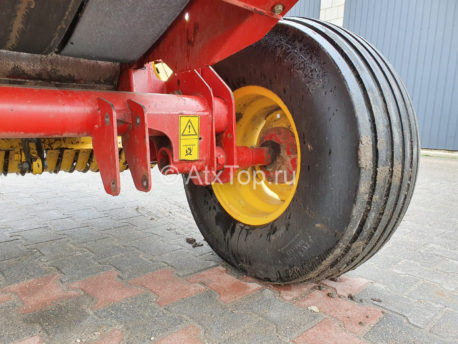new-holland-br740-8